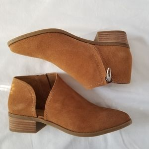 NWT Dolce Vita Tabitha Suede Ankle Brown Booties